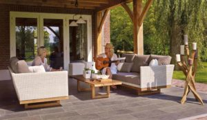 Ways That You Can Decorate Your Outdoor Area
